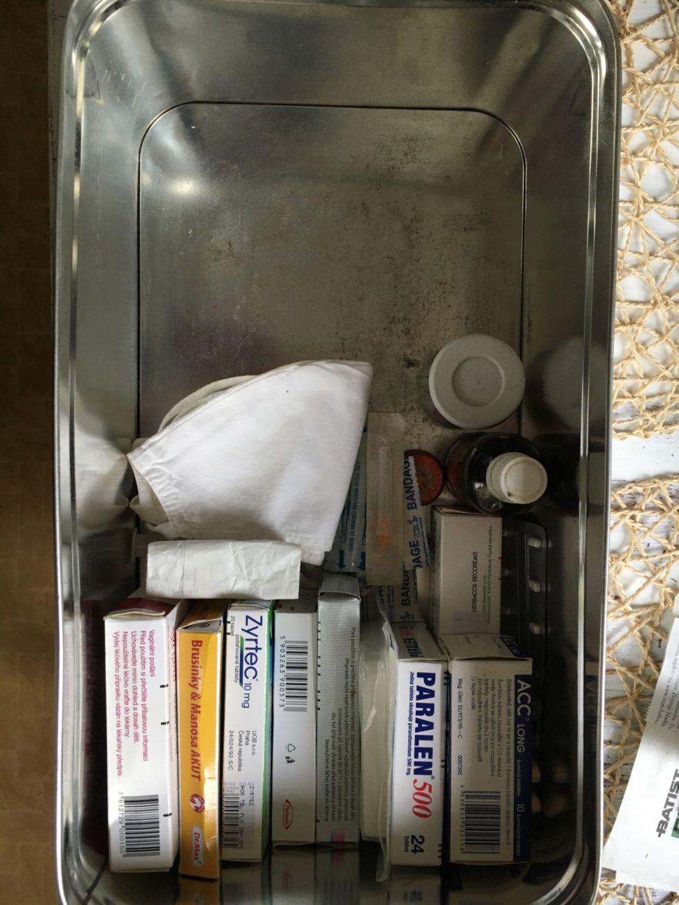 lékárnička po
